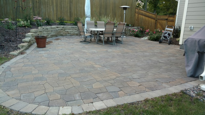 Paver Pato With Natural Stone Retaining Wall ...